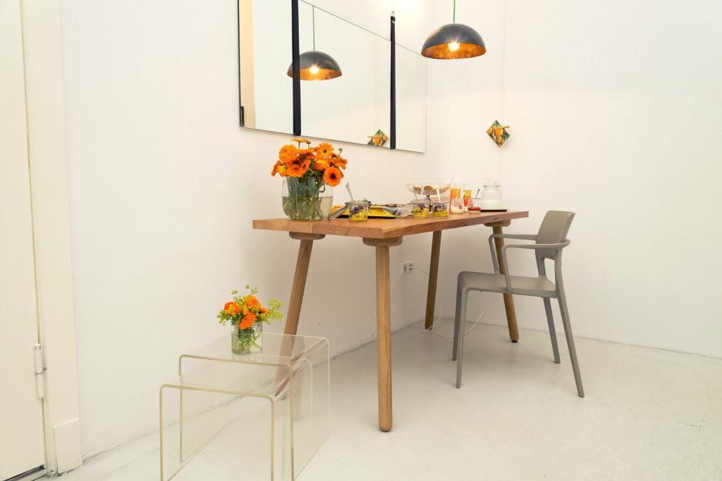 stadlwirt esstisch designerm bel berlin massivholztische design regale st hle tische. Black Bedroom Furniture Sets. Home Design Ideas