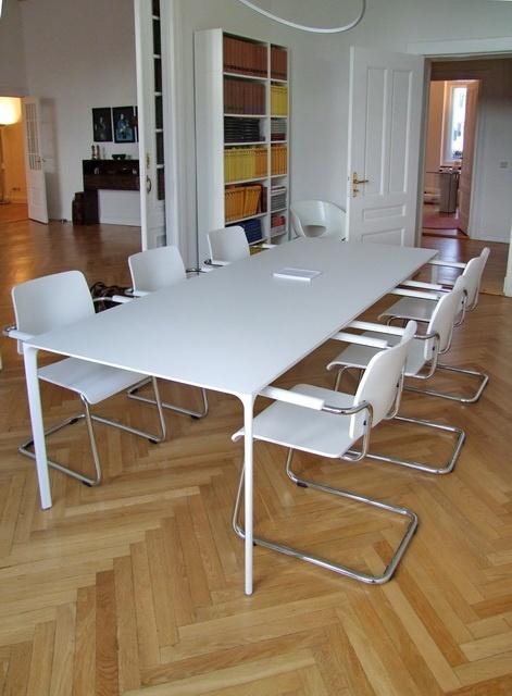 design blog nachrichten und neuigkeiten designerm bel berlin massivholztische. Black Bedroom Furniture Sets. Home Design Ideas